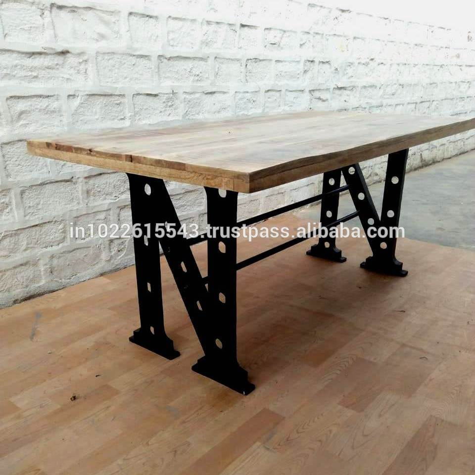 table a manger style industriel en metal et en bois table a manger de style vintage buy wood rustic dining table acacia wood dining table industrial