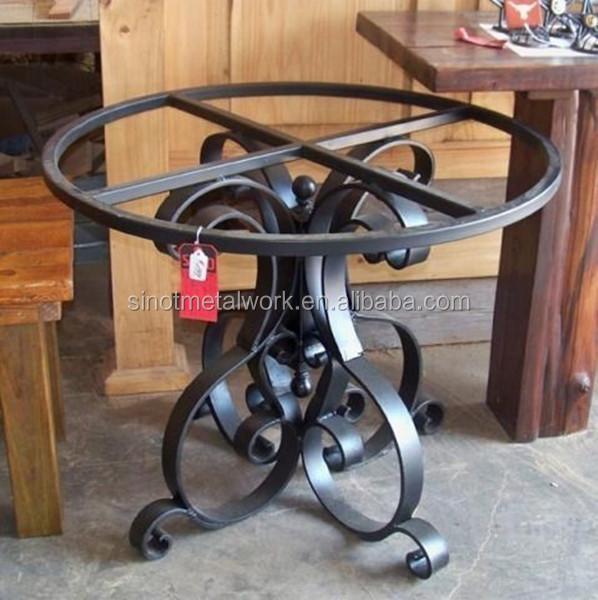 base de table basse en fer forge sur