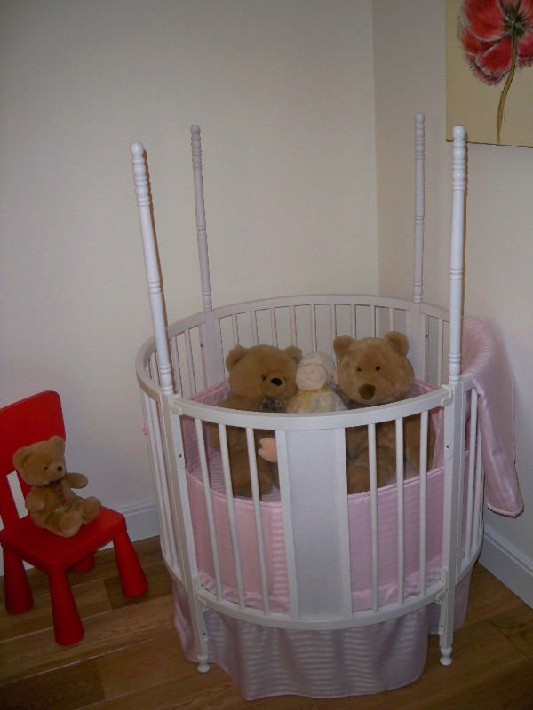 Round Baby Cot Bed Crib Four Poster With Mattress And Bedding Product On Alibaba