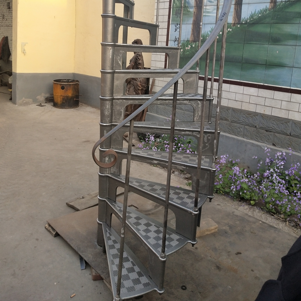 Antique Indoor Used Cast Iron Spiral Staircase Of Model 1890 Buy   Cast Iron Spiral Staircase For Sale   Second Hand   Used   Portable   Modular   Rod Iron
