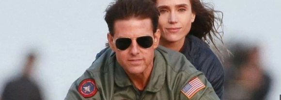 Jennifer Connelly y Tom Cruise en Top Gun: Maverick