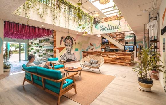 Selina Cancún. Los espacios confortables son una característica de la locación mexicana.