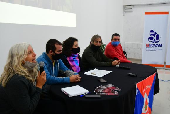 Crean la Intersocial, nuevo bloque que busca llevarle reclamos al gobierno  - Información - 03/06/2020 - EL PAÍS Uruguay