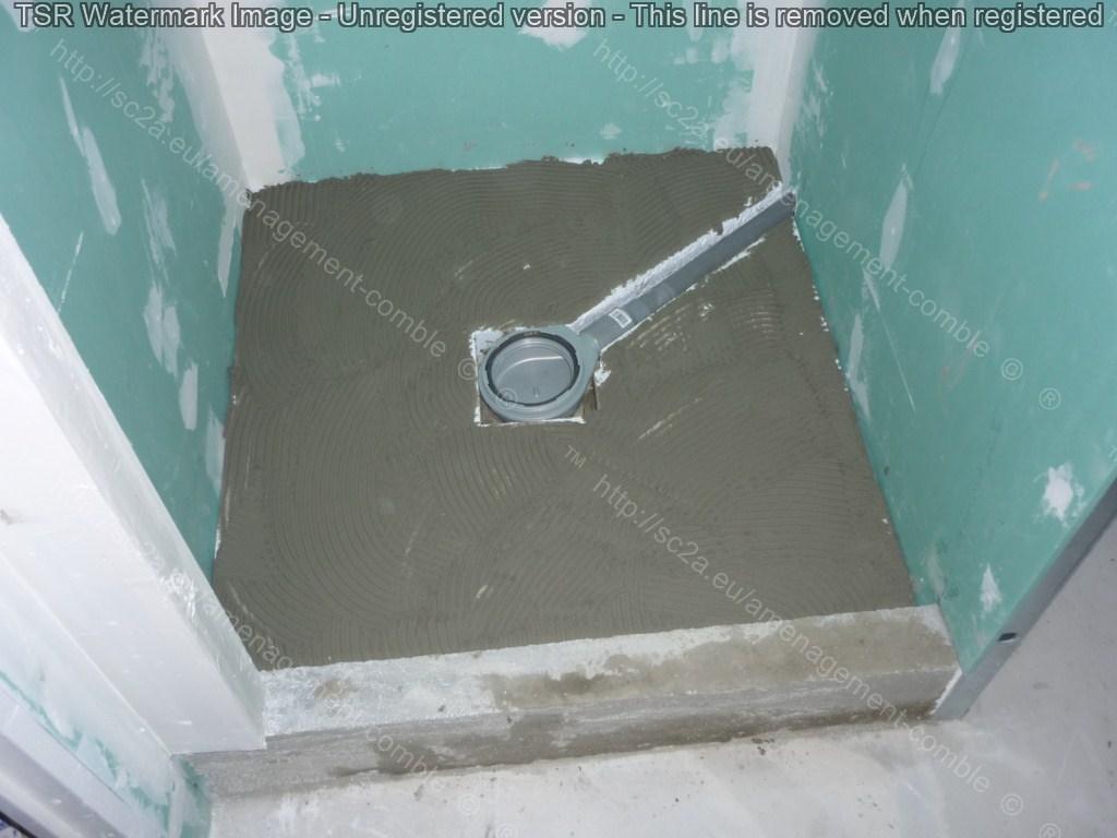 comment poser un receveur extra plat installer une douche. Black Bedroom Furniture Sets. Home Design Ideas
