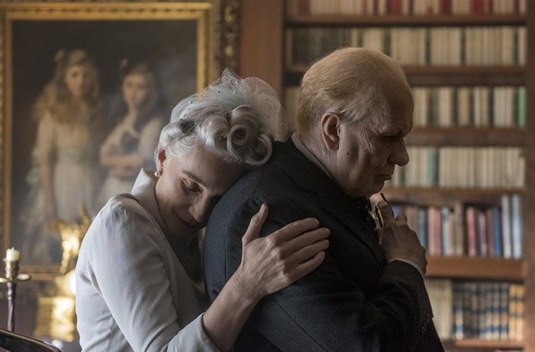 Darkest-Hour-Winston-Churchill-movie-Review-savannah-Film-Festival