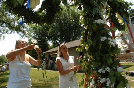 midsummer decorating