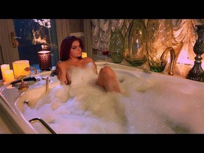 Ariel Winter naked in bathtub