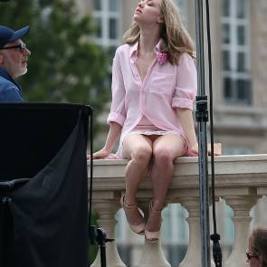 Amanda Seyfried Nude Photos and Leaked PORN video 35