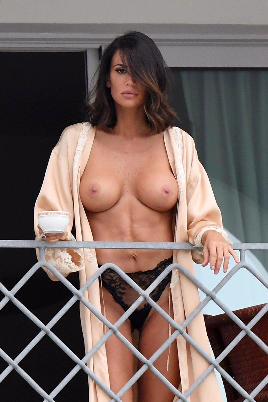 Nude boob DDDCups