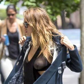 Jessica Alba nipples