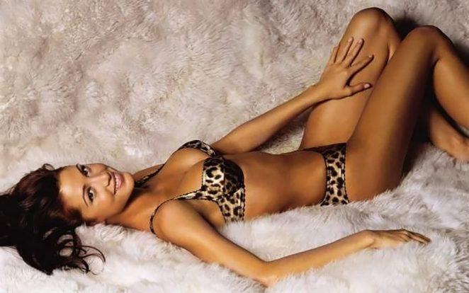 Shannon Elizabeth Nude Pics & Topless Sex Scenes Compilation 55