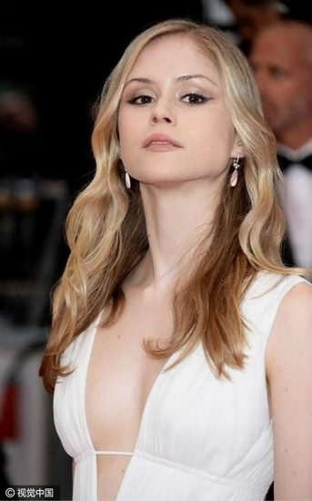 Erin Moriarty Nude & Hot Pics And Topless Sex Scenes 23