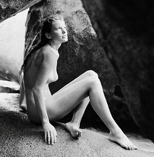 Marisa Miller Nude & Topless Pics + Sexy Scenes 40