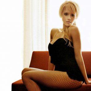 Jessica Alba Nude and Leaked Porn Video – 2020 News! 141