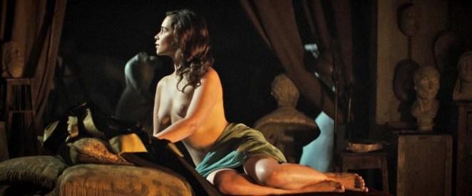 Emilia Clarke nude scene