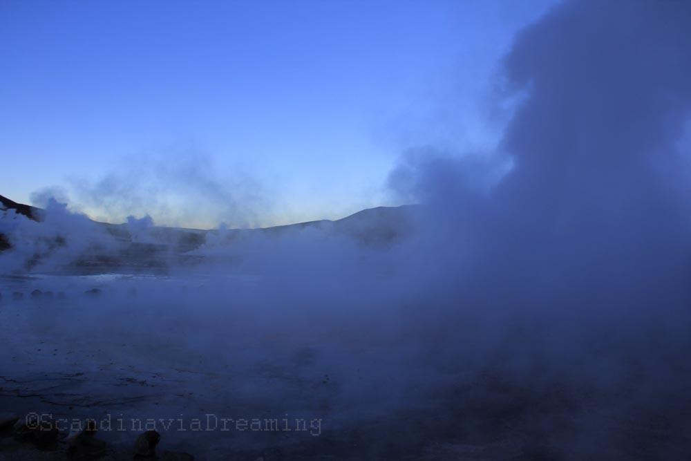 Fumée des geisers du Tatio au Chili