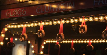 Cabane à vin chaud au marché de Noël d'Andersen