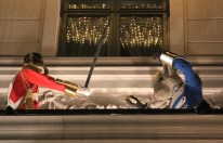 Façade de l'hôtel d'Angleterre illustrée pour Noël