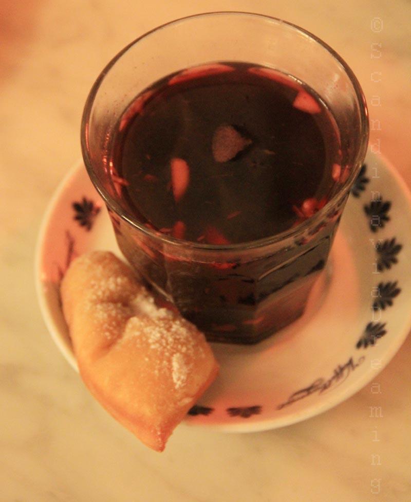 Vin chaug ou glogg et pâtisserie danoise klejner