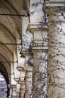 Cimetière Mirogoj galerie gagnée par la végétation