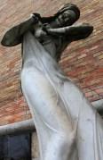 Cimetière Mirogoj statue de femme