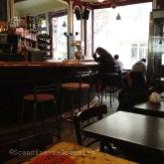 Café parisien le matin