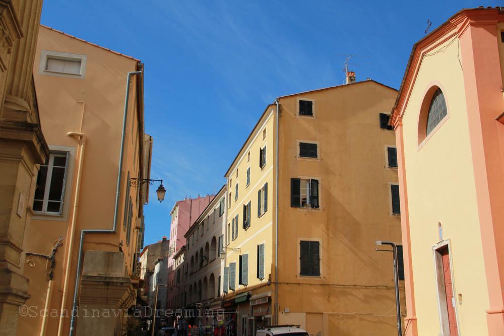 Rue Fesch au matin Ajaccio