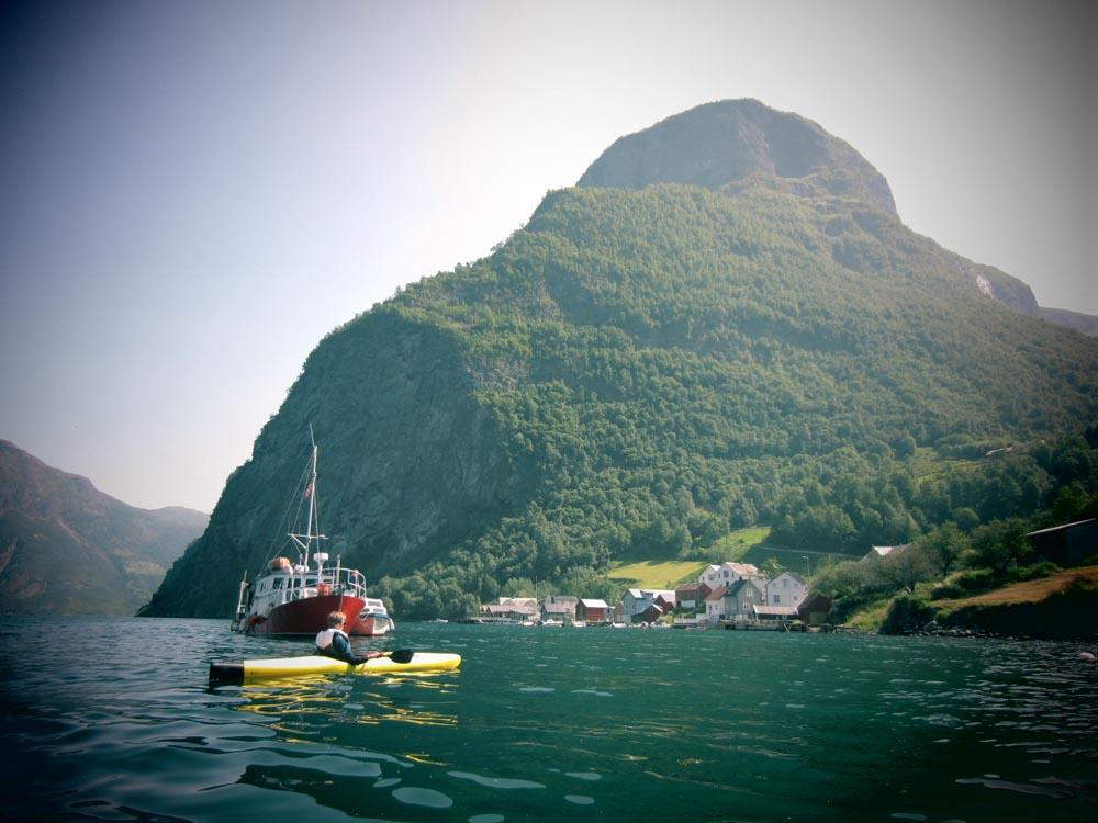 Esben fait du kayak