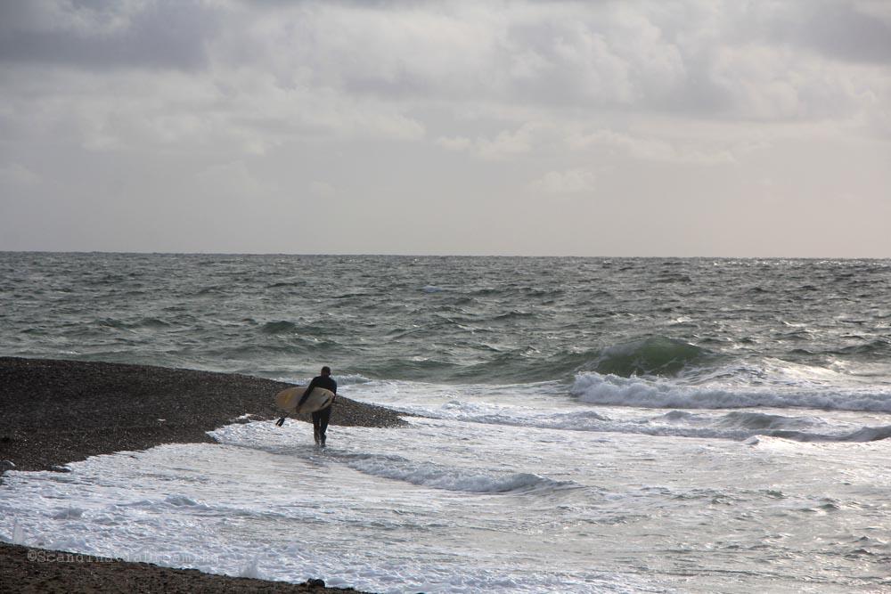 surfeur-plage-danemark