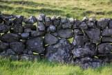 Mur en pierre sèche féroé