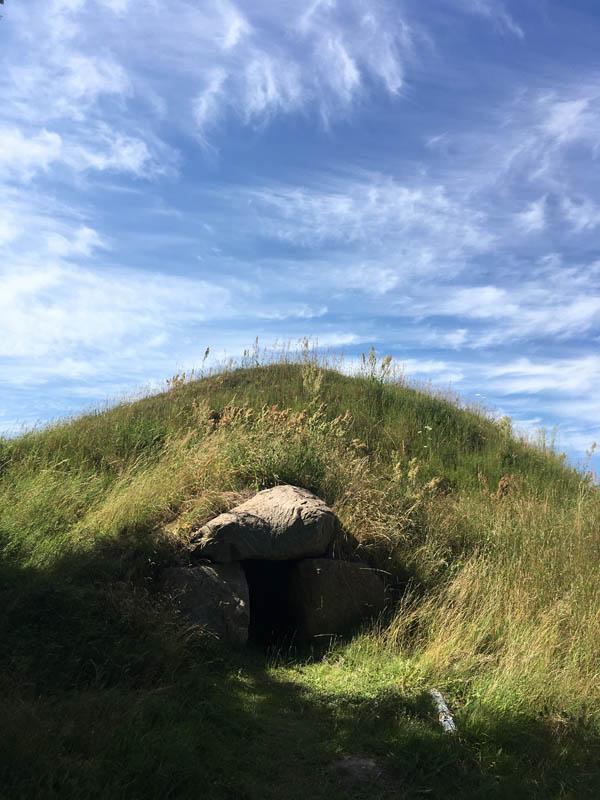 Gravhoej près de la mine de Moensted