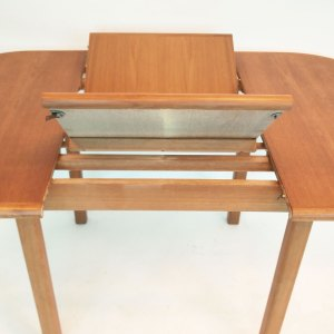 Table de salle à manger carrée arrondie vintage scandinave