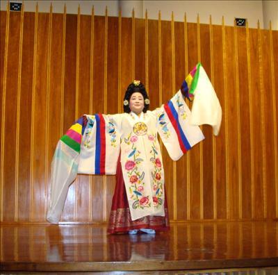 韓國傳統音樂藝術團聖路易演出 樂府采風再現 弘揚社區多元族裔文化 韓美協會積極融入主流
