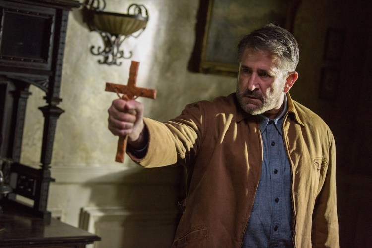 Anthony LaPaglia in Annabelle Creation