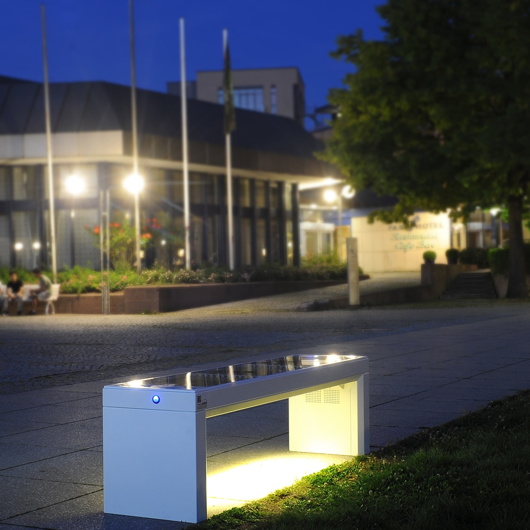 ibench Solarbank bei Nacht