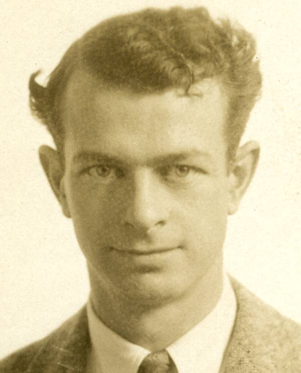 Studio portrait of Linus Pauling. 1930.