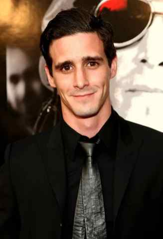 James Ransone as Adult Eddie
