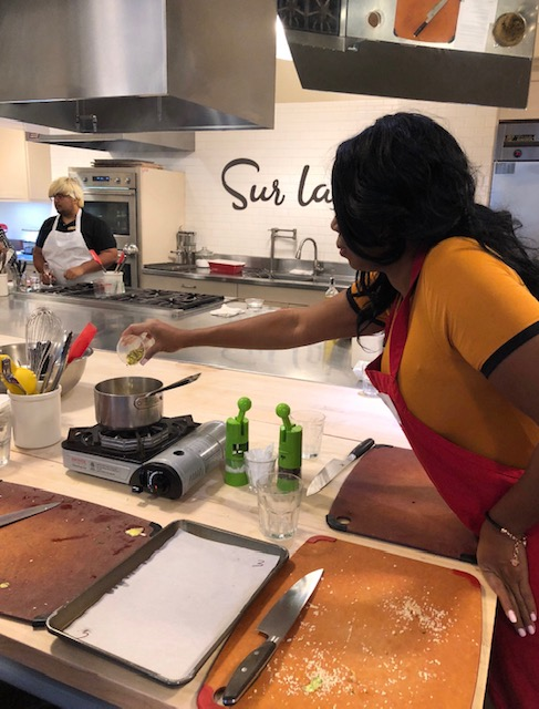 Morgan Kelley at Sur La Table cooking class