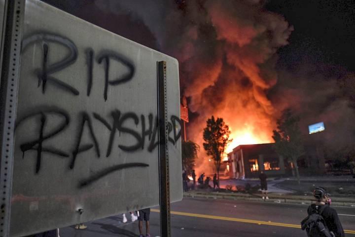 This image has an empty alt attribute; its file name is ccf8700a-45db-4025-a28a-1b987f19aeb1-AP_APTOPIX_Police_Shooting_Atlanta.jpg