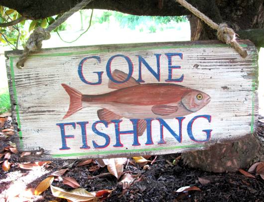 Gone Fishing, DIY Vintage style Sign – Scavenger Chic