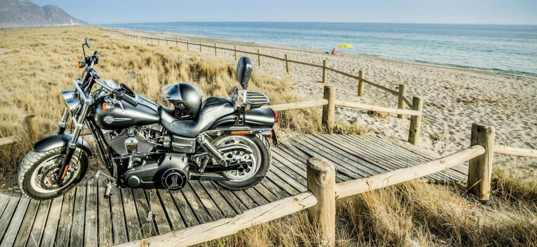 Playa-Cabo-de-Gata-moto
