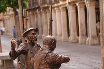 Alcalá de Henares. Estatua D. Quijote y Sancho Panza