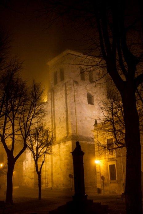 San Ildefonso con niebla en Zamora