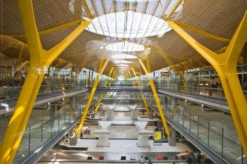 aeropuerto_de_barajas_terminal_4_01