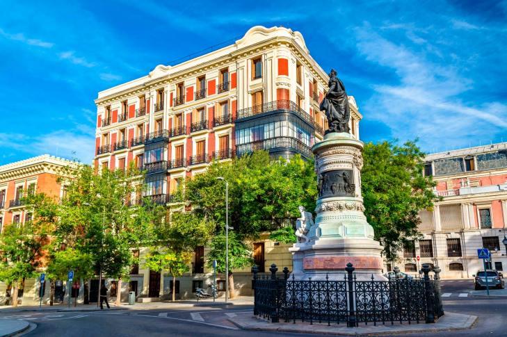 SCB Spain Convention Bureau. Madrid. Estatua de Maria Cristina
