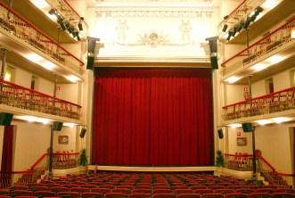 interior Teatro Juan Bravo