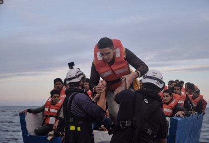 Le Sea Watch a porté secours à 322 personnes en deux jours en mer Méditerranée, le 17 et 18 octobre 2021. Crédit : compte Twitter Sea Watch