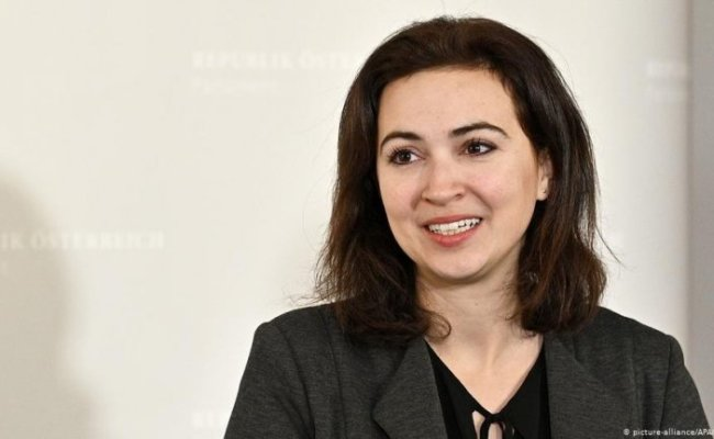 Alma Zadic The Refugee Who Became A Government Minister