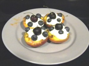 Grilled-Peaches-with-Yogurt