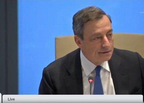 """Draghi replica ai falchi tedeschi: """"i tassi bassi non bloccano le riforme"""" (da Teleborsa.it)"""